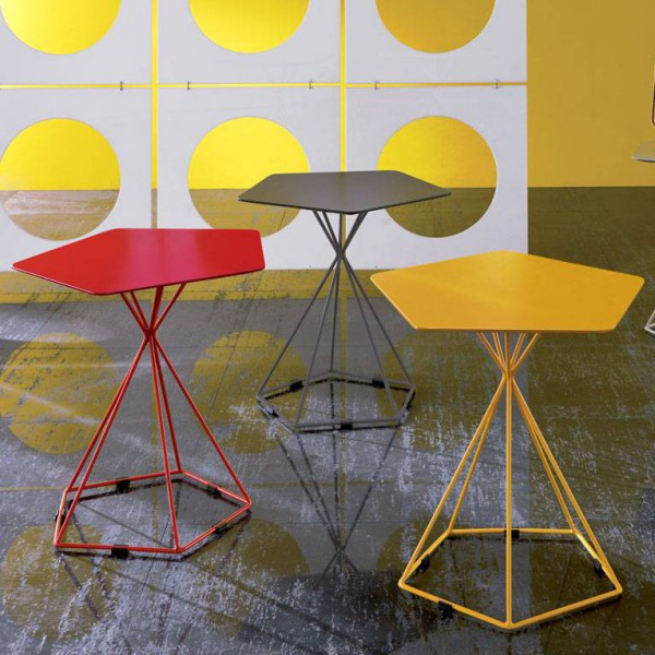 Table d 39 appoint blanche table appoint jaune originale for Table design jaune