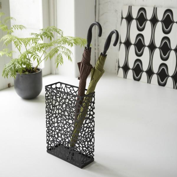 porte parapluie noir design accessoires pluie marque yamazaki. Black Bedroom Furniture Sets. Home Design Ideas