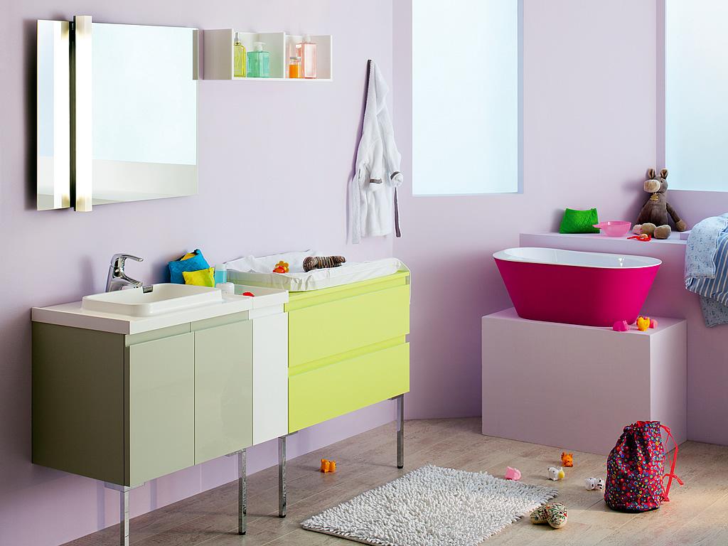 Salle de bain vert anis et bois avec plus de clarté photos ...