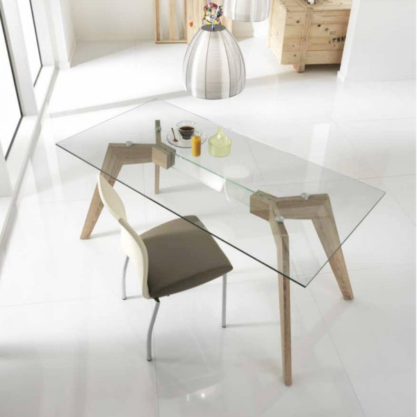 Table manger design transparente table originale for Table salle manger verre bois