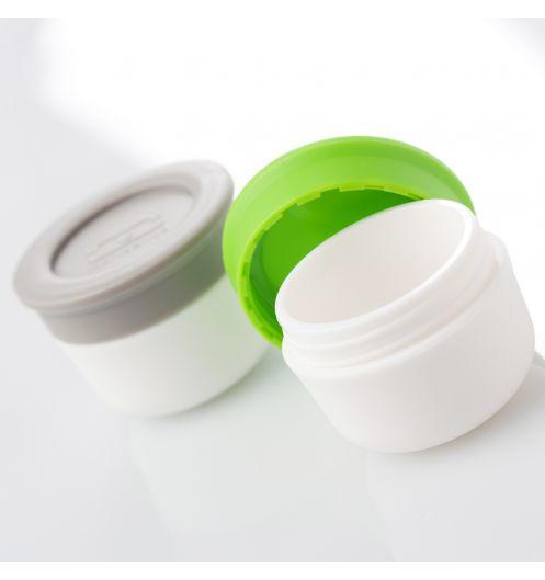 https://www.deco-et-saveurs.com/10993-jqzoom/duo-de-recipients-a-sauce-monbento-sable-vert.jpg