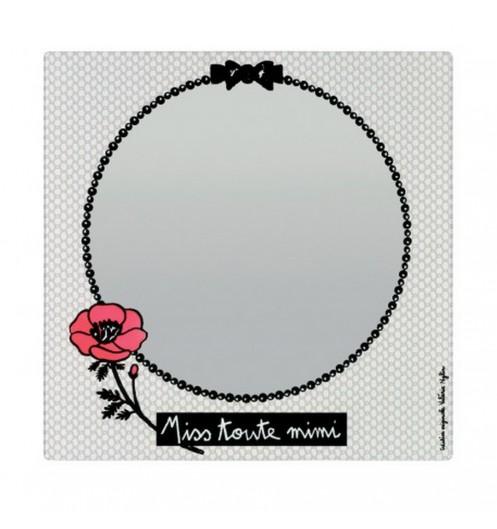 miroir salle de bain color miroir maquillage derri re la porte. Black Bedroom Furniture Sets. Home Design Ideas