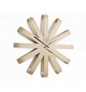 Horloge ruban en bois Umbra