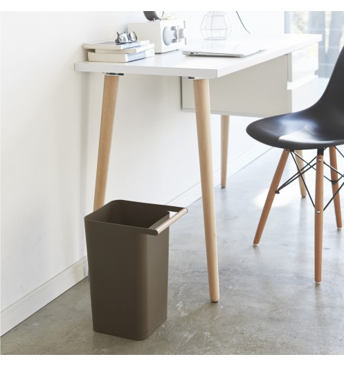poubelle design marron poubelle de bureau d coration. Black Bedroom Furniture Sets. Home Design Ideas