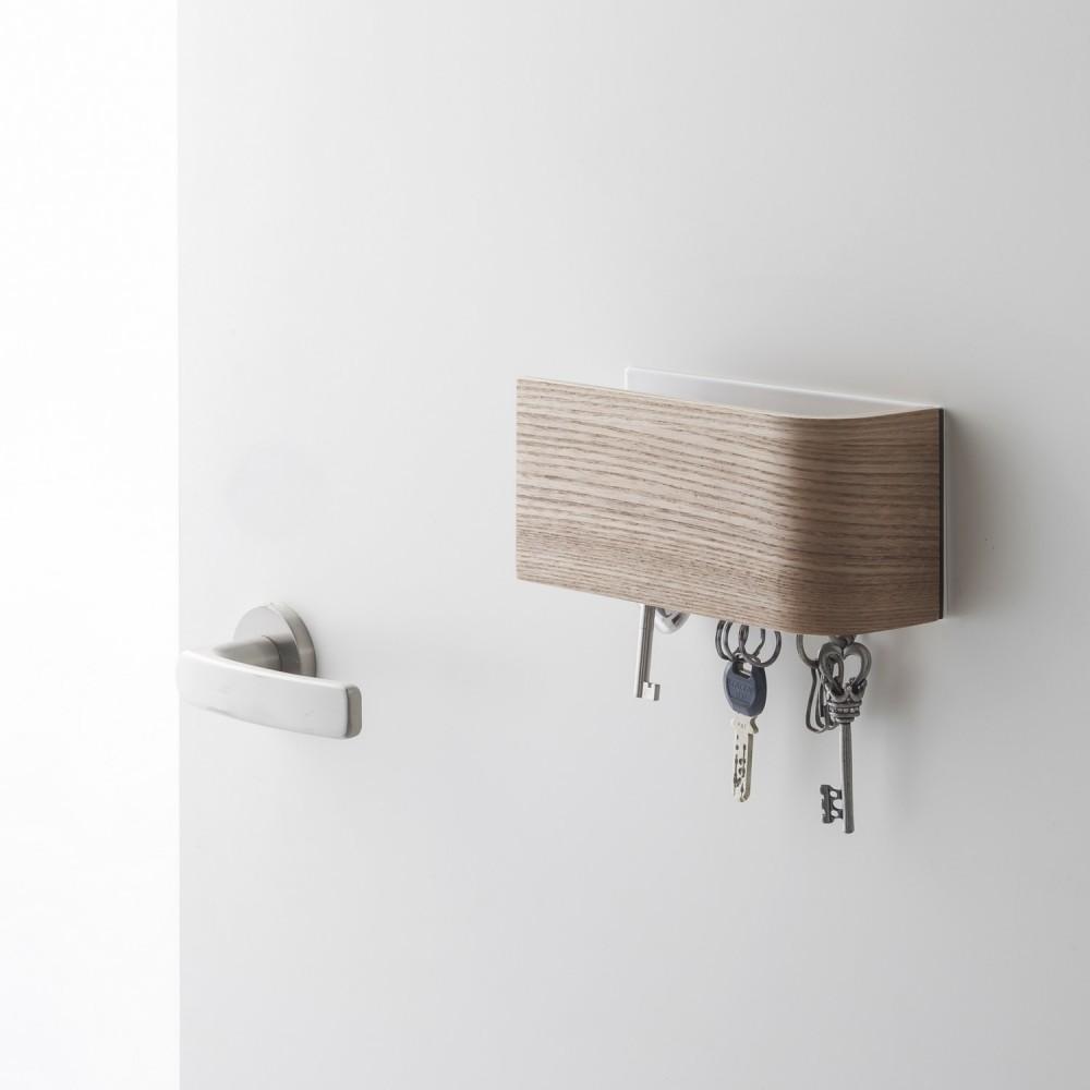 accroche cl original fashion designs. Black Bedroom Furniture Sets. Home Design Ideas