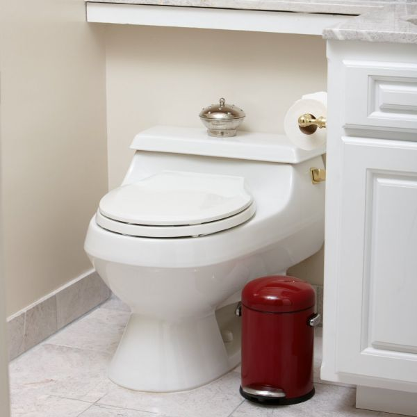 Poubelle salle de bain rouge accessoire salle de bain - Poubelle salle de bain noire ...