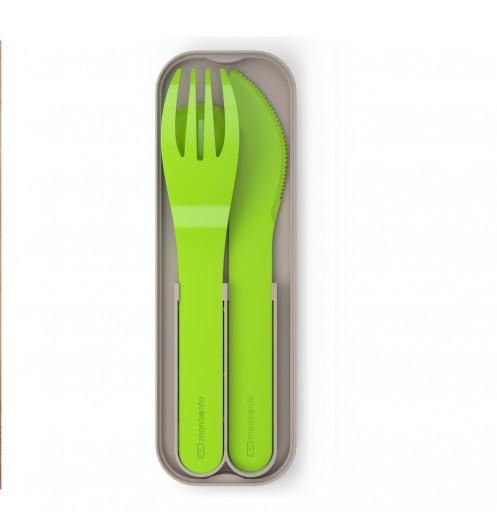 https://www.deco-et-saveurs.com/8476-jqzoom/couverts-boite-monbento-plastique-color-vert.jpg