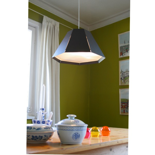 suspension rouge originale luminaire design. Black Bedroom Furniture Sets. Home Design Ideas